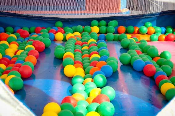 jeux enfants bulles balles trouville calvados