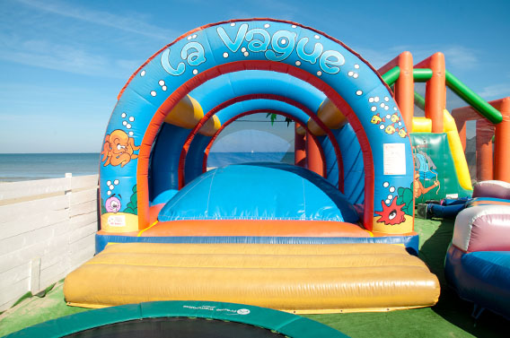 loisirs gonflables enfants vague jeux calvados normandie