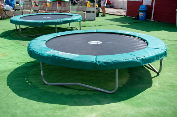 trampolines plage enfants attraction benerville normandie